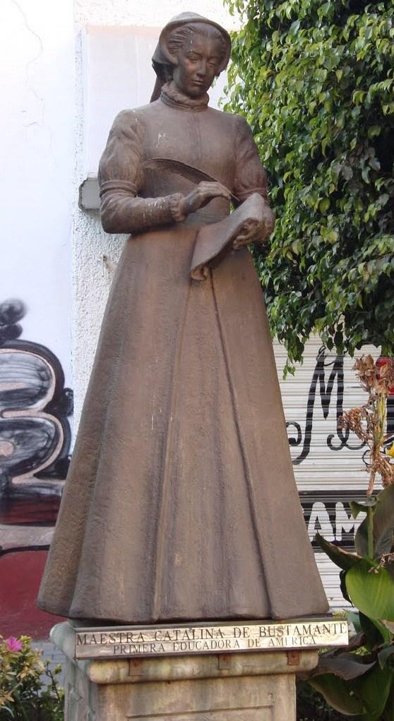 Estatua de Catalina de Bustamante en Texcoco.